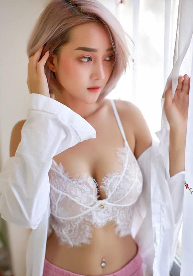 YingGy-Ponjuree-white-morning